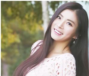 Vivid's member Shin Ah Reum.
