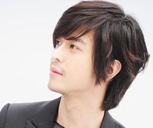 5tion's former member Seokho.