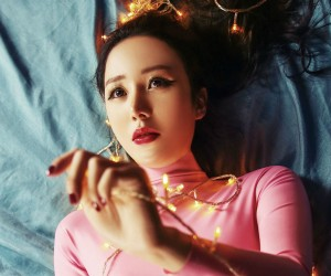 "Six Bomb's Yuchung ""Wait 10 Years Baby"" promotional picture."