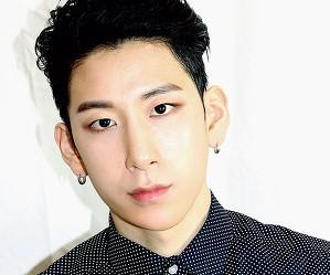Zest's new member Seunghoon.