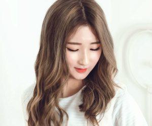 "Various' Ye Ji ""U"" promotional picture."