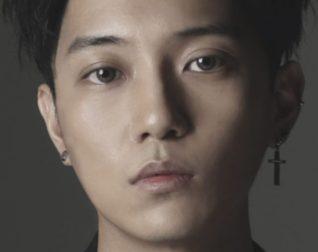 """Kim Woo Joo's """"Woo Soo Soo"""" promotional picture."""