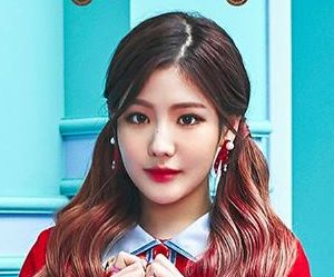 "Gugudan (Gx9)'s Hyeyeon promotional picture for ""Act 3 - Chococo Factory"""
