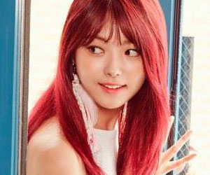 "Pristin's Nayoung promotional picture for ""Schxxl Out"""