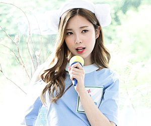 "CIVA's Chaekyung ""Why"" promotional picture."