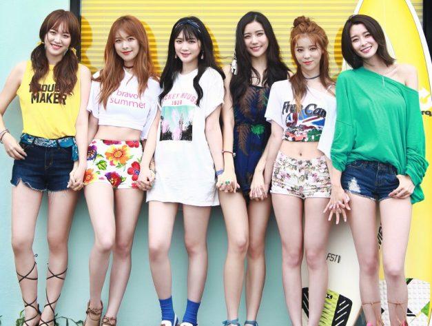 """Hello Venus' """"Paradise"""" promotional picture."""