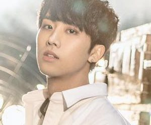 "KNK's In Seong ""Remain"" promotional picture."