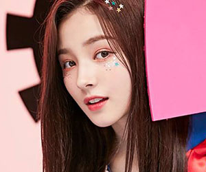 """Momoland's Nancy promotional picture for """"Freeze"""""""