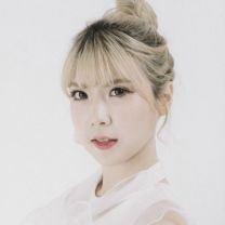 "Fantastie's Hyunji ""Fantastie"" promotional picture."