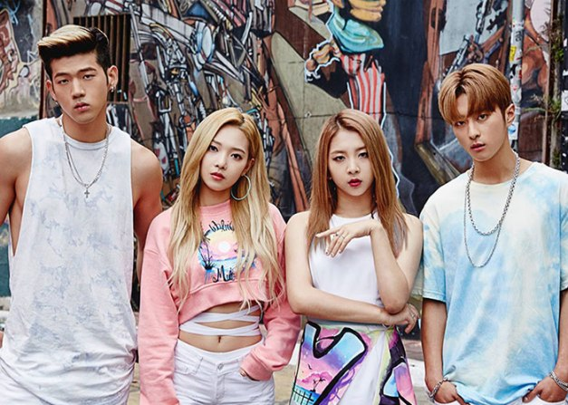 "K.A.R.D's promotional picture for ""Hola Hola"""