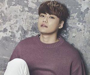 "Vromance's Hyun Gyu ""Romance"" promotional picture.."