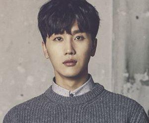 "Vromance's Hyun Seok ""Romance"" promotional picture.."