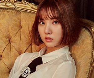 "GFriend's Eunha ""The Awakening"" promotional picture."