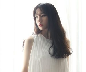 "Joo A's ""Like Heaven"" promotional picture."