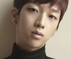 """The King's Seungjae """"Damn-oh"""" promotional picture."""