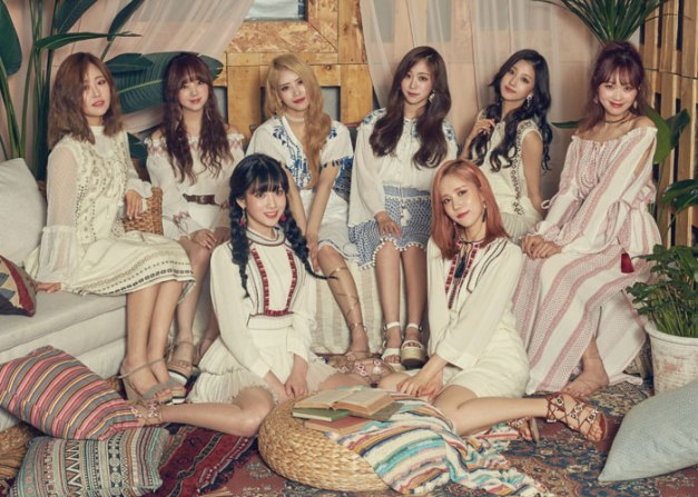 "Lovelyz' ""Now We"" promotional picture."