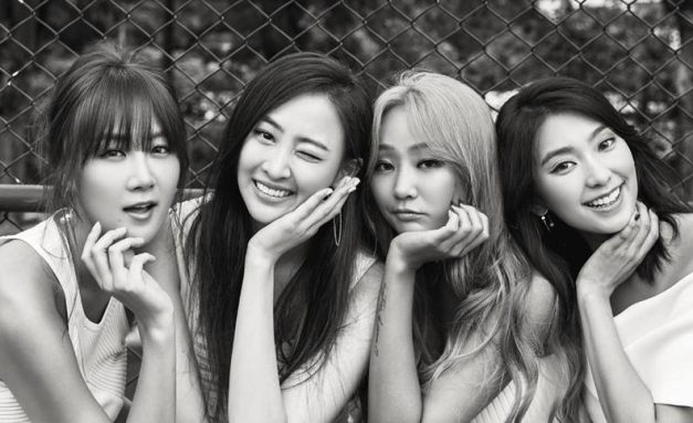 "Sistar's ""Lonely"" promotional picture."