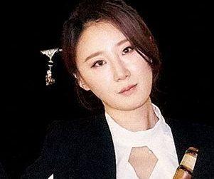 "Vidan's Songyi ""Heroic Tale"" promotional picture."