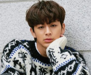 "iKON's Yunhyeong promotional picture for ""Return"""