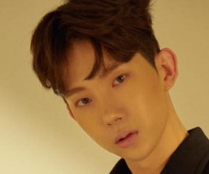 "Jo Kwon's promotional picture for ""Lonely"""