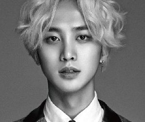 Lucente's Z.Hoo pre-debut promotional picture.