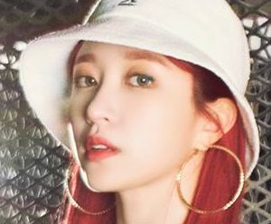 "EXID's Hani ""Lady"" promotional picture."