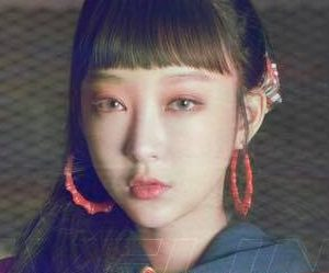 "EXID's Hyelin ""Lady"" promotional picture."