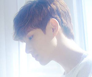"""Boyfriend's Minwoo promotional picture for """"Sunshower"""""""