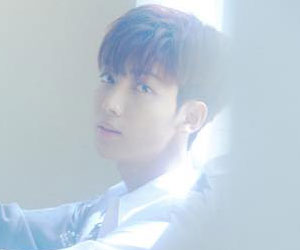 """Boyfriend's Youngmin promotional picture for """"Sunshower"""""""