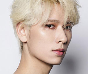 """Cross Gene's Seyoung promotional picture for """"Zero"""""""