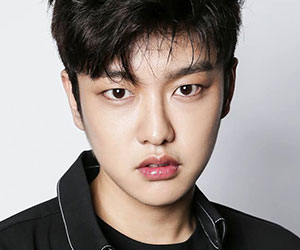 "Cross Gene's Shin promotional picture for ""Zero"""