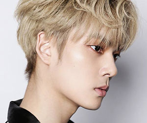 "Cross Gene's Yongseok promotional picture for ""Zero"""
