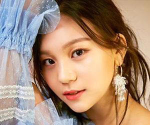 """G.Friend's Umji promotional picture for """"Time For The Moon Night"""""""