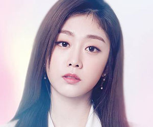 "Lovelyz Jisoo promotional picture for ""Cure"""