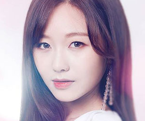 "Lovelyz Sujeong promotional picture for ""Cure"""