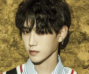 "NTB's Hyobin promotional picture for ""Dramatic"""