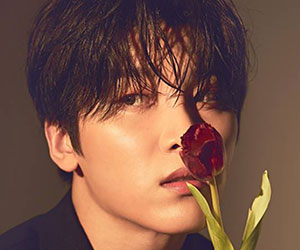 """Snuper's Woosung promotional picture for """"Blossom"""""""