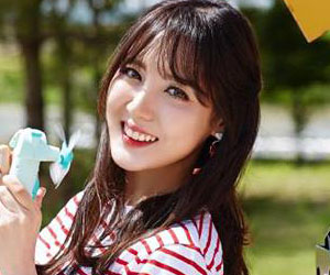 """Flashe's Seryeong promotional picture for """"BabyLotion"""""""