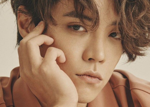 "Eddy Kim's pomotional picture for ""Miles Apart"""